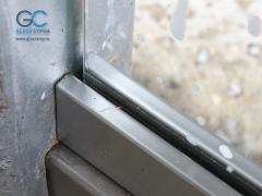 Зажимной профиль для закаленного стекла