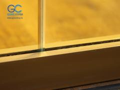 Зажимной профиль для стекла перегородок